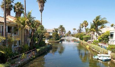 Venice Canals (Walking Distance)