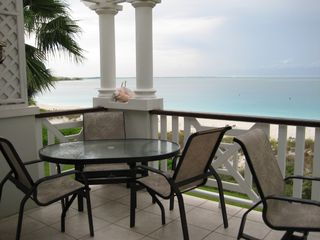 Providenciales - Provo condo photo - Balcony Dining for six