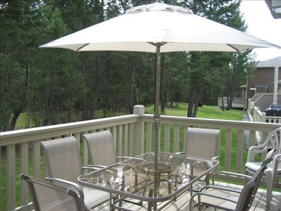 Dine next to nature on large deck, includes .BBQ, patio heater & propane firepit