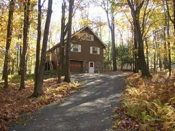 Locust Lake chalet rental - Fall View of the Cabin