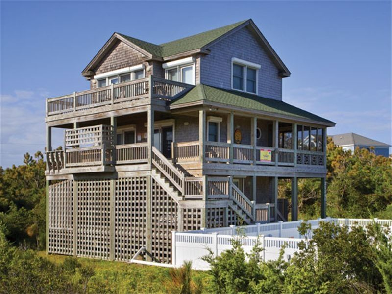 North carolina outer banks beach house homeaway waves for 9 bedroom beach house rental