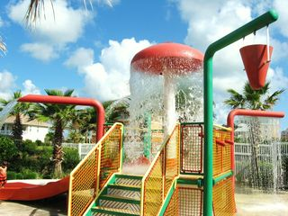 Ormond Beach condo photo - Kids will have a great time in the Splash Zone