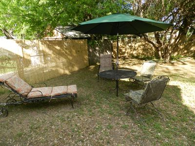 Austin cottage rental - Back Yard is Great for Relaxing Outdoors