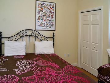 Second Bedroom with Queen and Twin Bed. Great for kid's room or other family.
