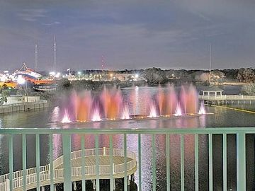 Nighly Water Fountain Show with Music