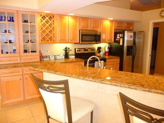 Cape Coral villa photo - The upscale Kitchen finished with granite worktops and stainless steel appliance