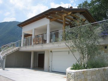 Front Street View of Villa Teggiole-end of road private location & 2 car garage