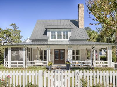 WINTER RATE- STAY 2 NITES, 3RD IS COMPLIMENTARY in this Palmetto Bluff Home!