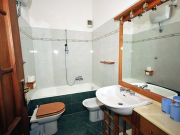 Green Bathroom (for the Blue Bedroom)