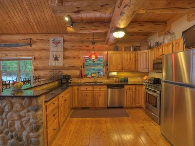 Snoqualmie Pass cabin rental - Kitchen
