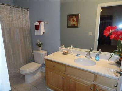 Tropic Winds condo rental - How sweet is this bathroom