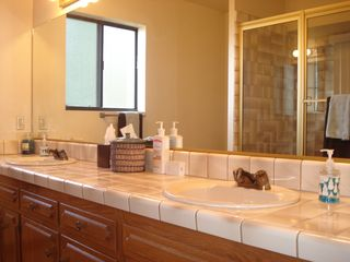 Lake Arrowhead house photo - Master Bath, Dual Vanities, Jacuzzi Tub