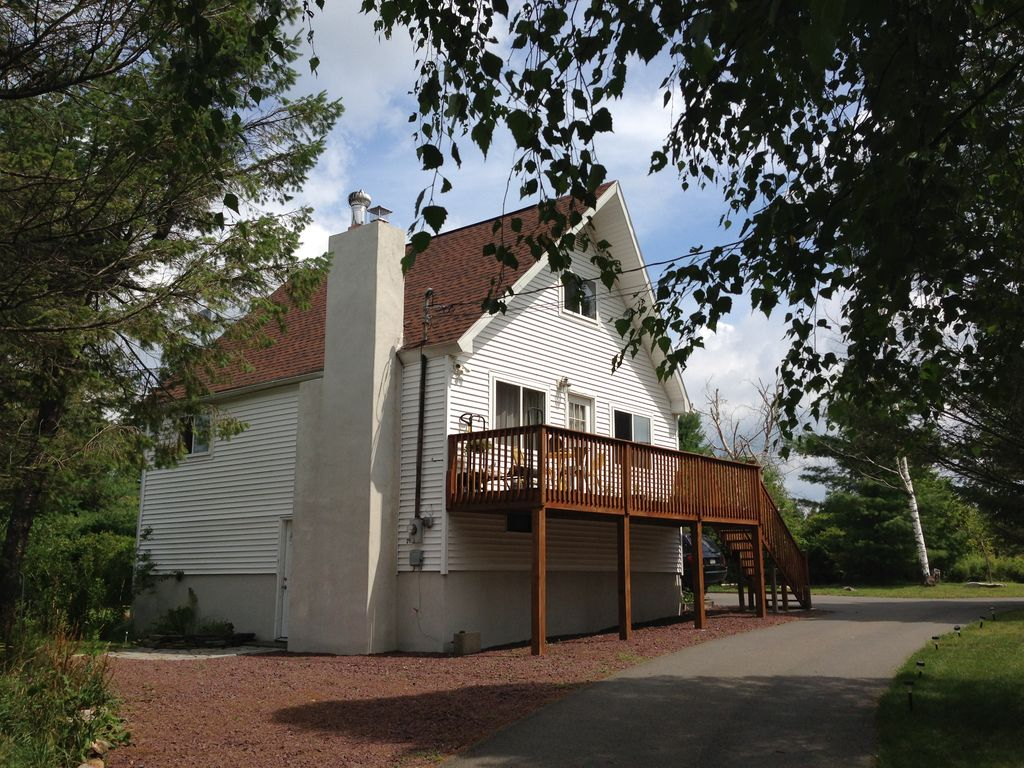 Vacation rentals near mount airy casino resort mount pocono for Long pond pa cabin rentals