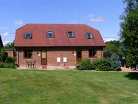 MOLE HILL COTTAGE, country holiday cottage in Alderholt, Ref 6969