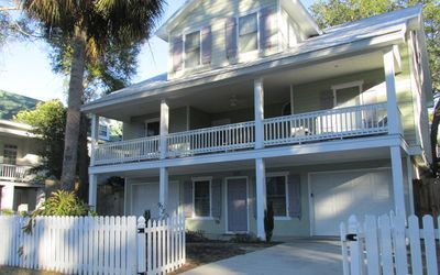 Carpe Beachem | 1 Block from beach | 5 Bedrooms | Sleeps 15 | Large Kitchen