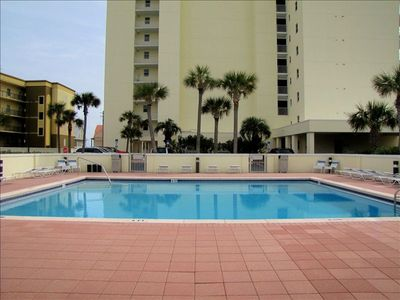 2nd pool behind the building.  Has BBQ grills too!