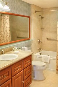 Del Mar condo rental - Master Bathroom at the Villa L'Auberge