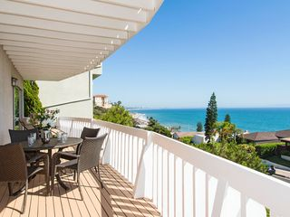 Malibu villa photo - Bedroom Balcony seats 6