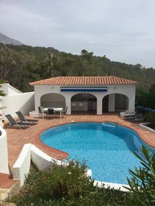 Luxury 4 bedroom Villa. Private heated pool. fully air conditioned.