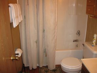 Osage Beach condo photo - Bathroom with tub/shower.