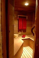 Telluride chateau / country house photo - Entry to the family-sized Sauna in the Spa Bath, on the Mezzanine floor.