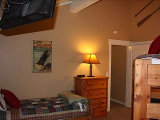 Mammoth Lakes condo photo - .Loft Area with single bed and bunk beds