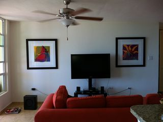 Living room...with new arts in the walls!