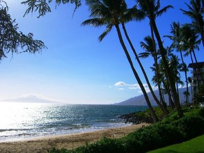 Welcome to Maui, the beach is just steps from A303.