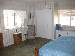 Yucca Valley house photo - Reading area and window seat in Master Bedroom