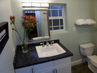 Hollywood cottage photo - Bathroom Luxury