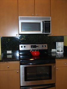 Wailea condo rental - Kitchen -- Ready for your cooking enjoyment