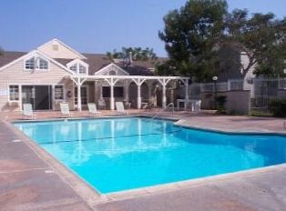 Beautiful Swimging Pool, Club House & 2 Jacuzzi's