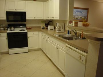 Fully Furnished Kitchen - Microwave, Dishwasher, Coffee Maker, Toaster