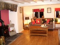 Romantic,historic,luxury cottage by Lake Windermere Child and dog friendly
