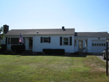 Middletown house rental - Front of house