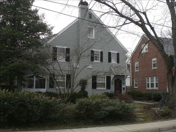 Chevy Chase house rental - Front of charming house