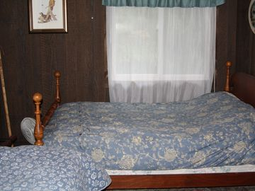 Full bed and twin bed in one room..