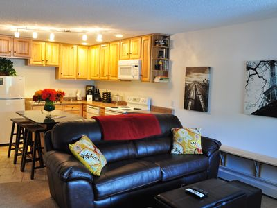 Beautifully Upgraded Downtown Winter Park Condo With DirecTVHD And Wi Fi
