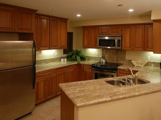 Mission Beach condo photo - Large kitchen with granite counter tops -stainless steel appliances