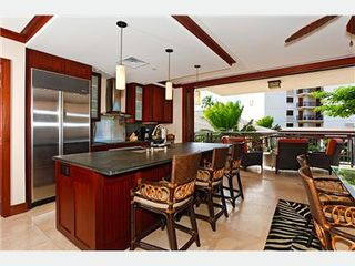 Kapolei villa photo - Enjoy a Nice Breeze while Sitting at Kitchen Counter