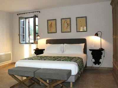 Luxury cottages in the heart of the vineyards in the Luberon