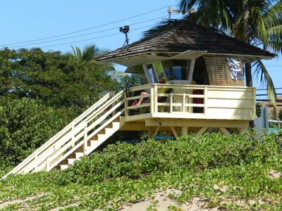 Lifeguard Shack at Kama' Ole Beach 1