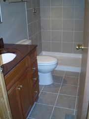 Birchwood cabin photo - main bathroom