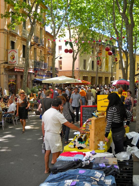 market at Ceret, (4,5 km) on saturdays