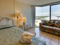 Cozy beach condo with shared pools, sun deck!
