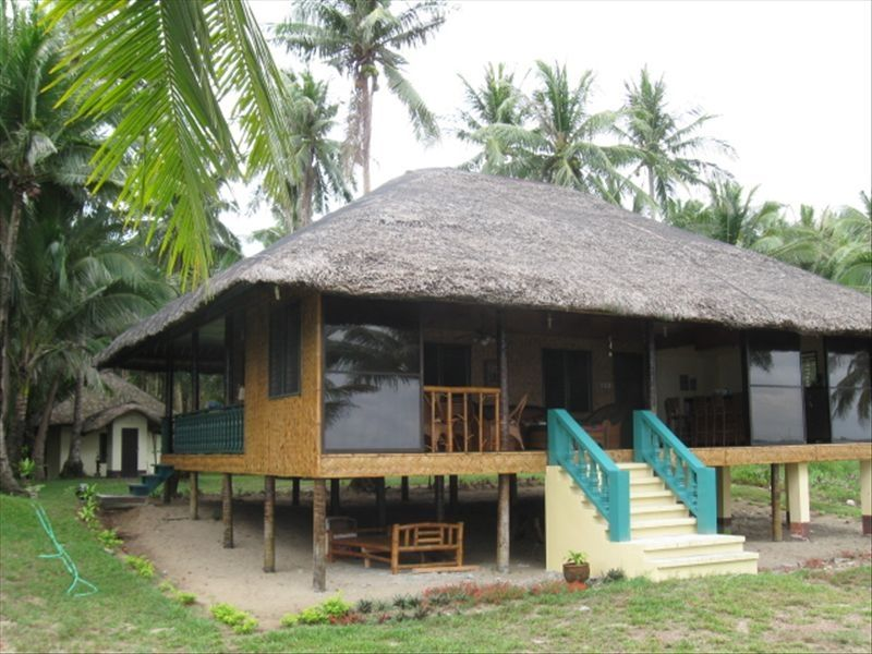 2 br beach front native cottage on homeaway bobon for Small house design native