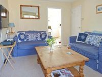 THE SAND DUNES, family friendly, with a garden in Camber, Ref 914281