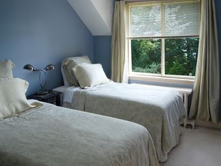 Toronto house photo - Guest Bedroom - Two Twin Beds