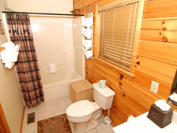 Elegant,full bath,CLEAN, soak/shower. Room to put all your things here. Towels