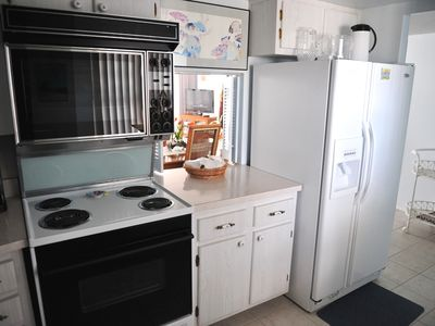 Siesta Key condo rental - View of Fully Equipped Kitchen